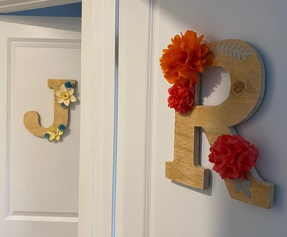 alt=letter-signs-with-paper-flowers