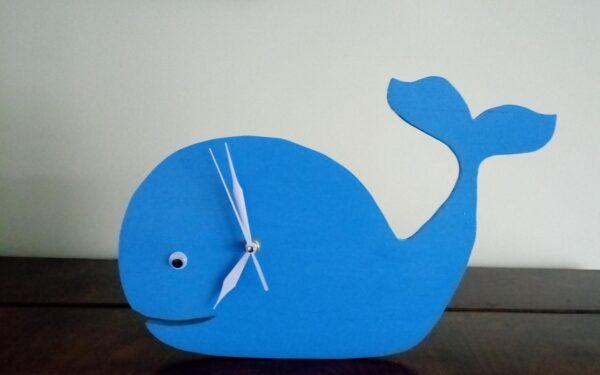 alt=kids-wall-clock-whale