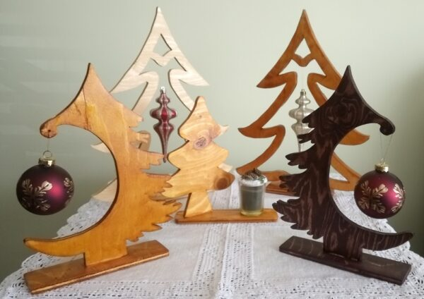alt=wooden-decor-christmas
